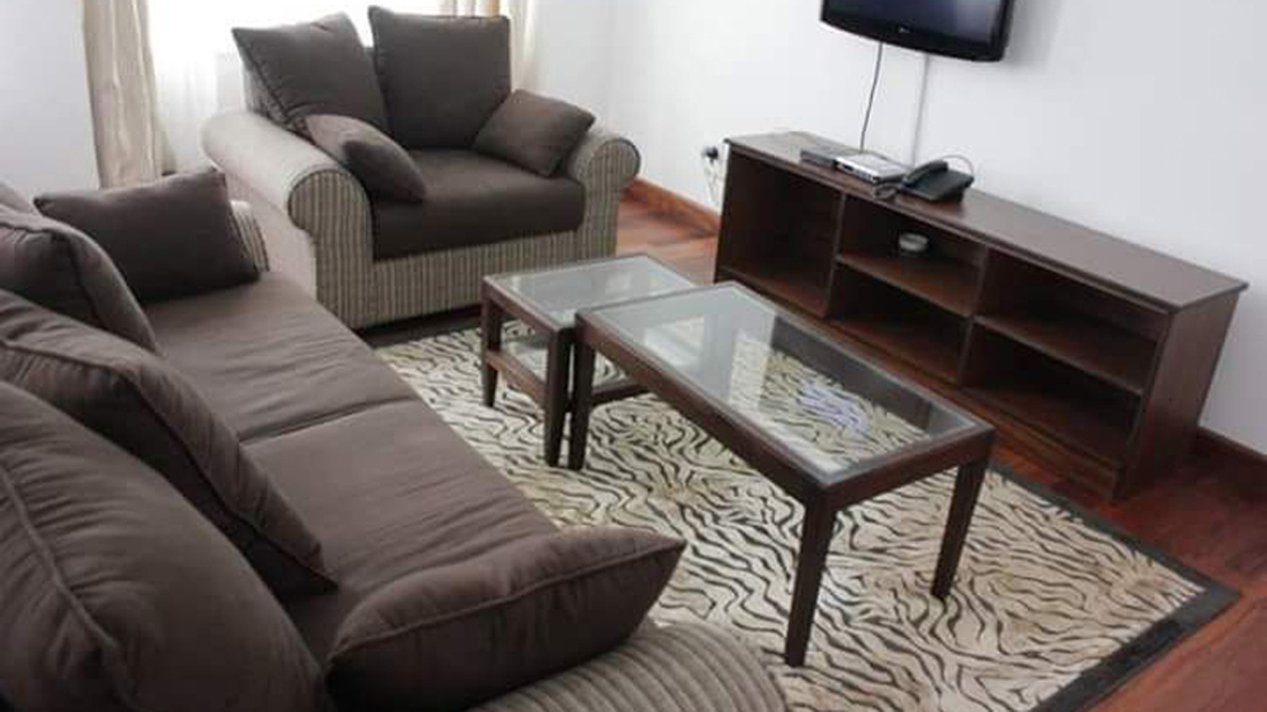 Elegant Furnished 2 Bedroom Apartments